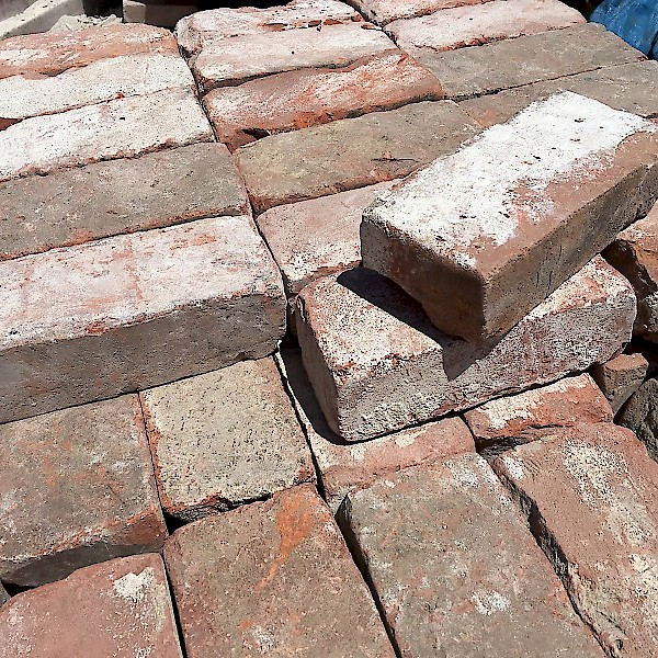 Creative Uses For Bricks: Uses For Bricks With Holes