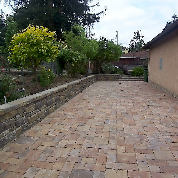 Pavestone Pavers Bee Green Recycling Amp Supply Oakland Ca